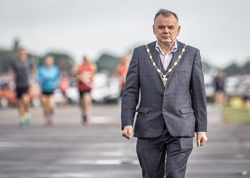 Mayor in foreground with runners behind (Photo © and courtesy John Ashton)